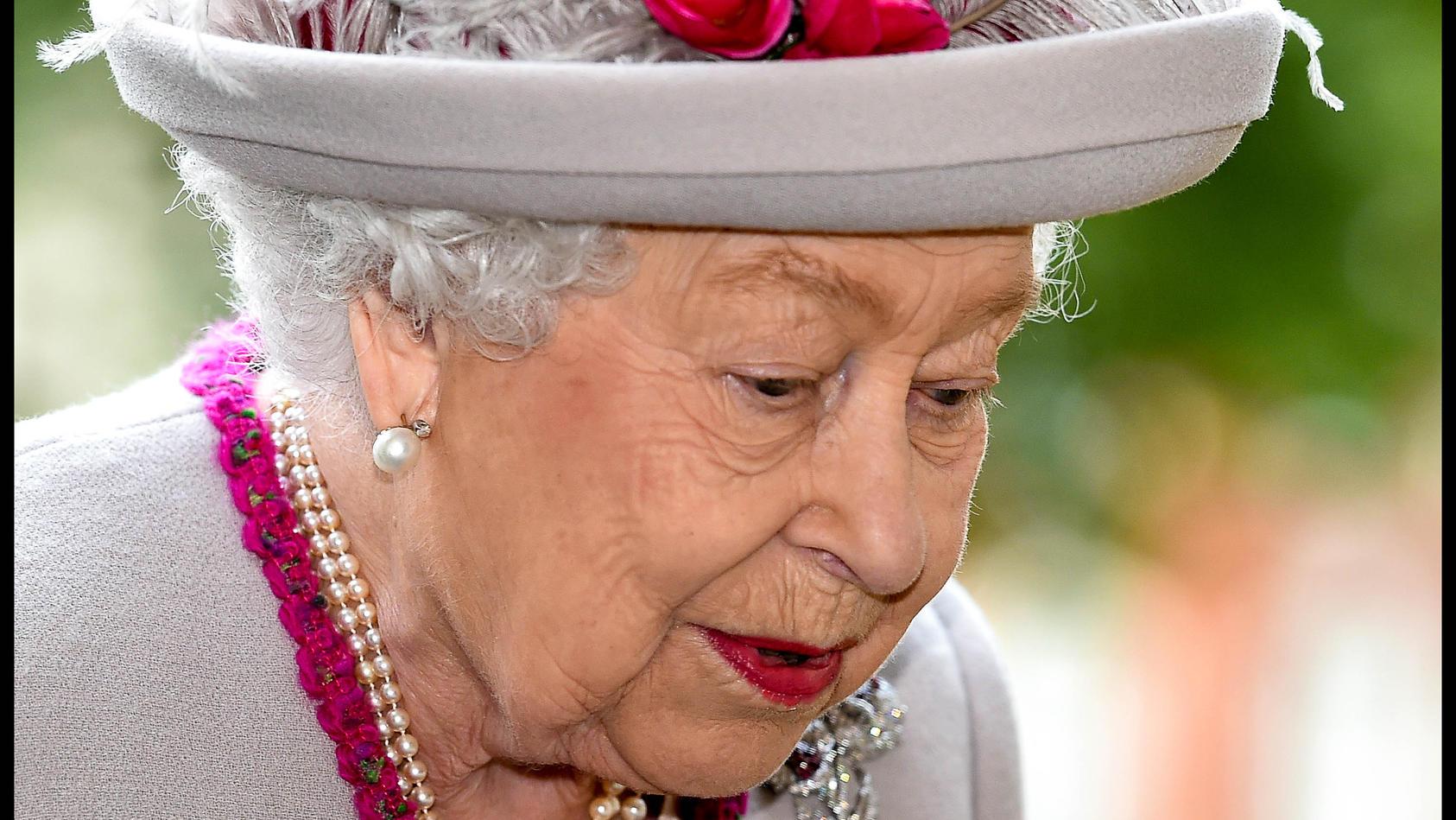 Die Queen hat einen Job im Angebot