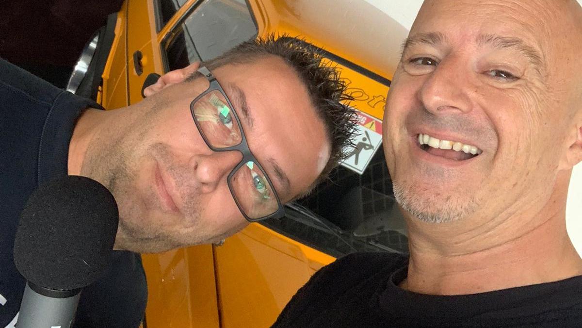 Detlef Steves mit Autohändler Andreas Puelacher.