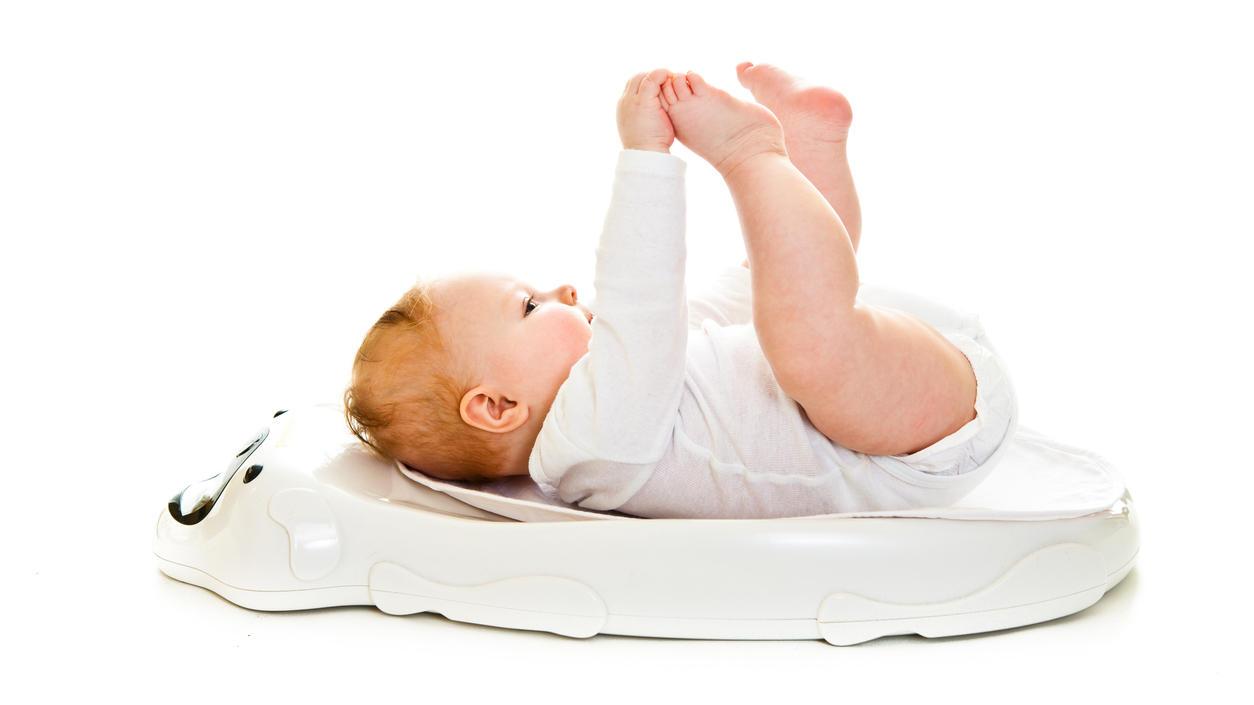 Als normal gilt ein Geburtsgewicht zwischen 2,5 und 4 Kilogramm.
