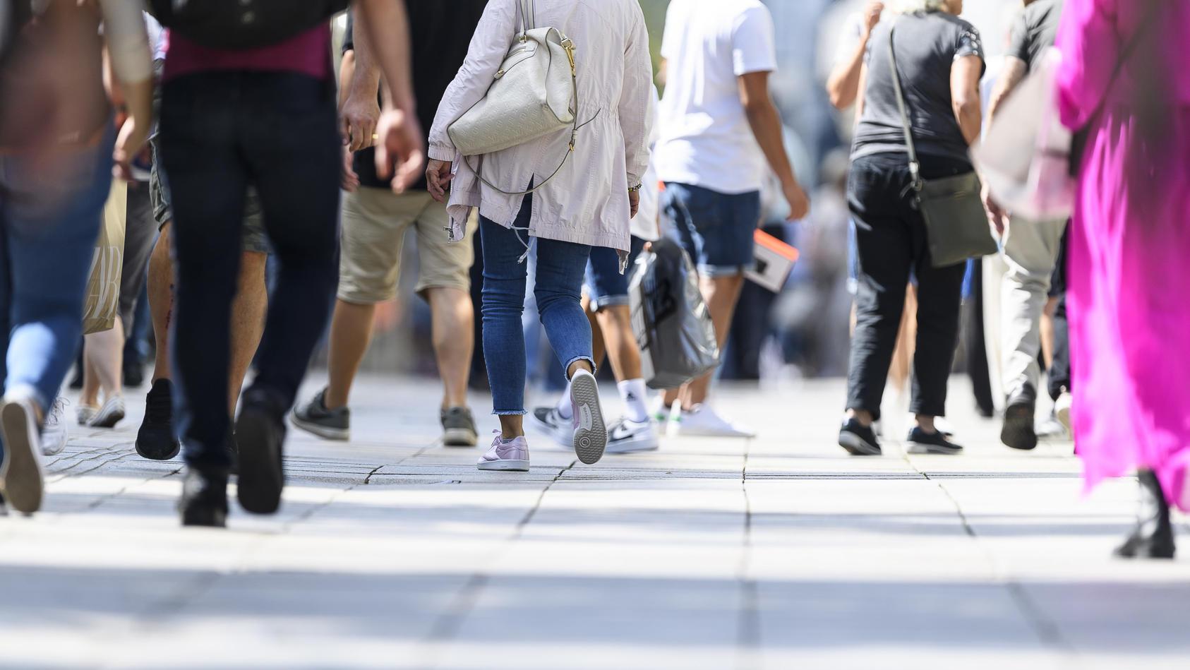Die Gehgeschwindigkeit eines Menschen gibt laut einer Studie Aufschluss über sein biologisches Alter.