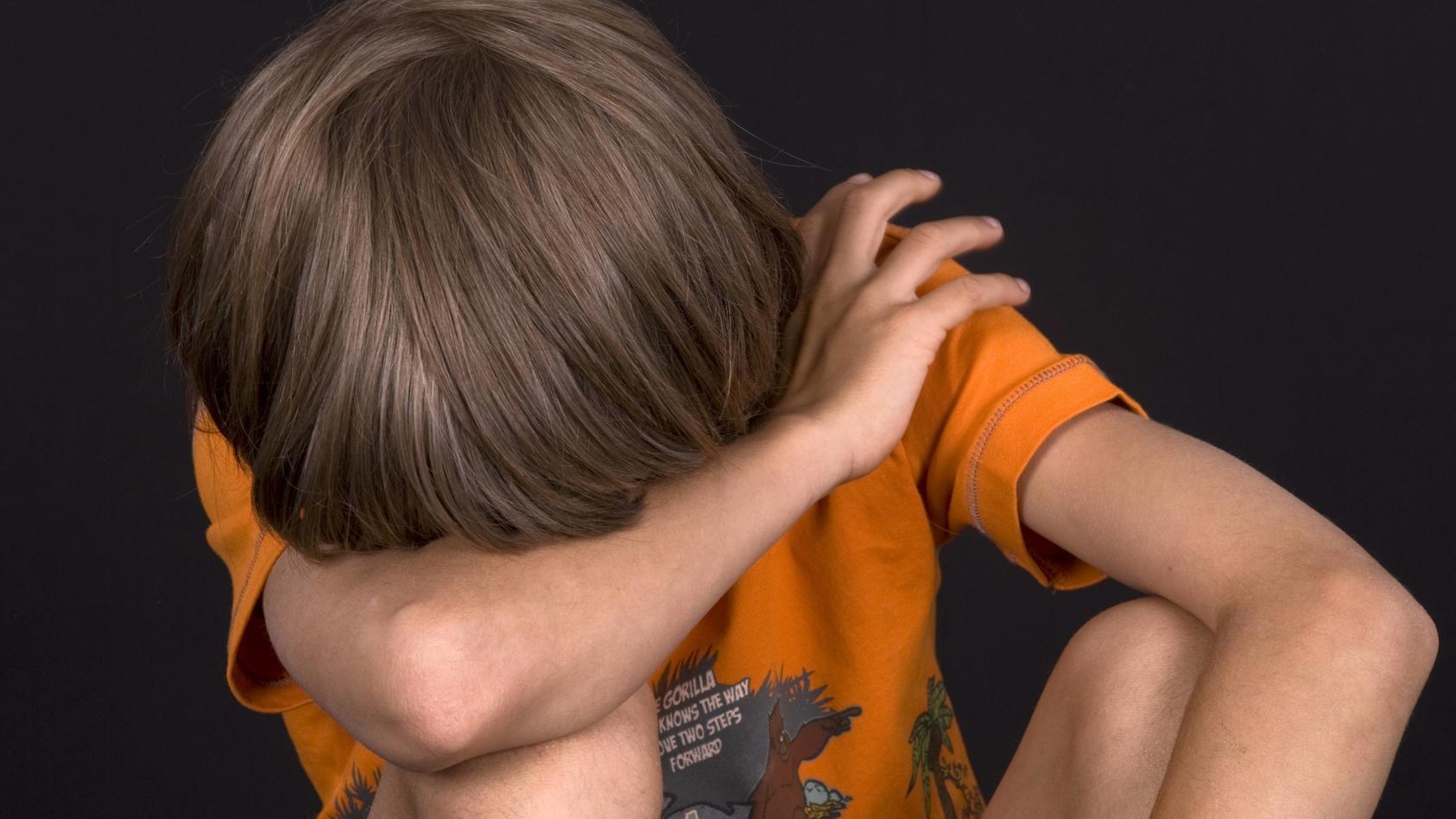 Zwei Erzieherinnen sollen einen Jungen (4) misshandelt haben. (Symbolbild)