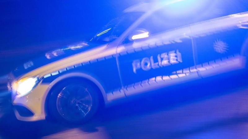 In Gerabronn ist eine 45-Jährige im Auto verbrannt. Ihr Ehemann soll es angezündet haben (Symbolbild).