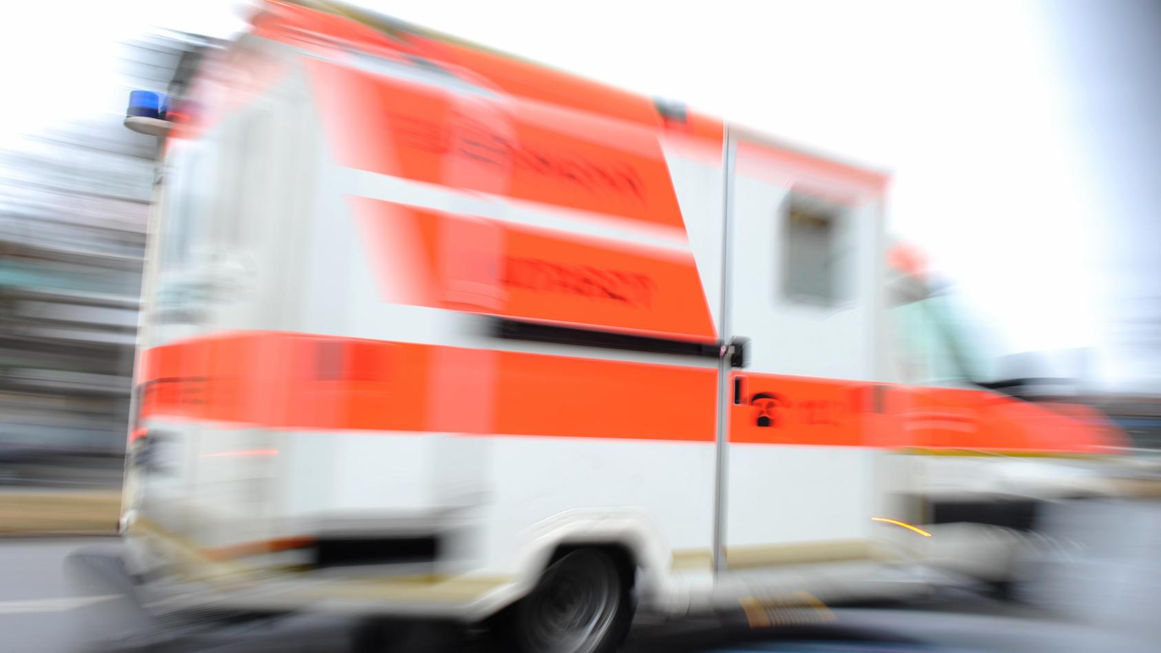 Ein Rettungswagen hat sich auf dem Weg zu einem erstickenden Jungen verfahren.