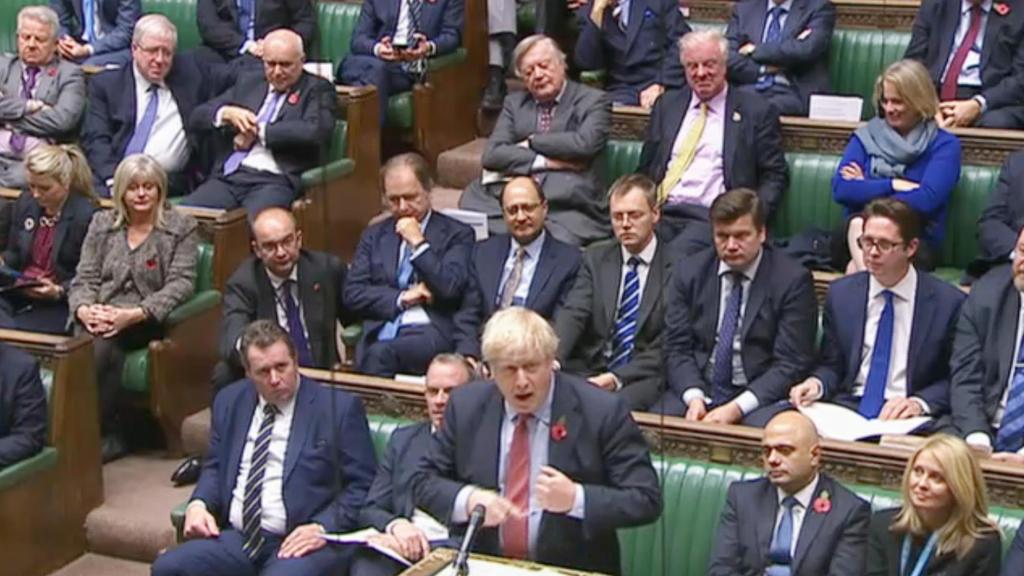 Boris Johnson spricht im britischen Unterhaus während der Debatte vor der Abstimmung über die geplante Neuwahl.