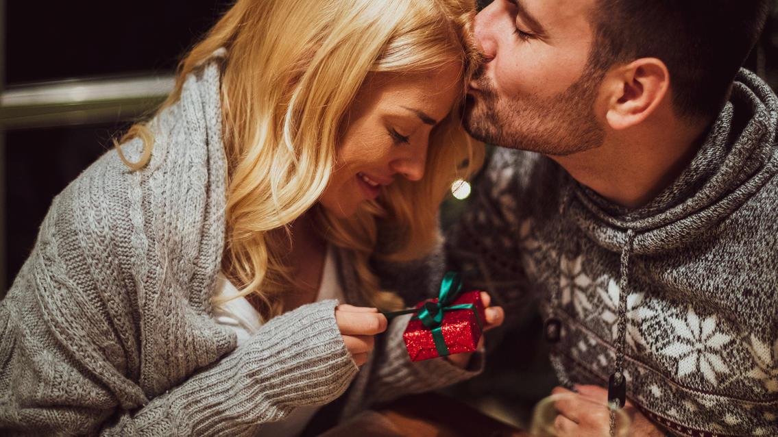 Liebevoll: Mit diesen Adventskalendern für Paare wird die Vorweihnachtszeit richtig romantisch.