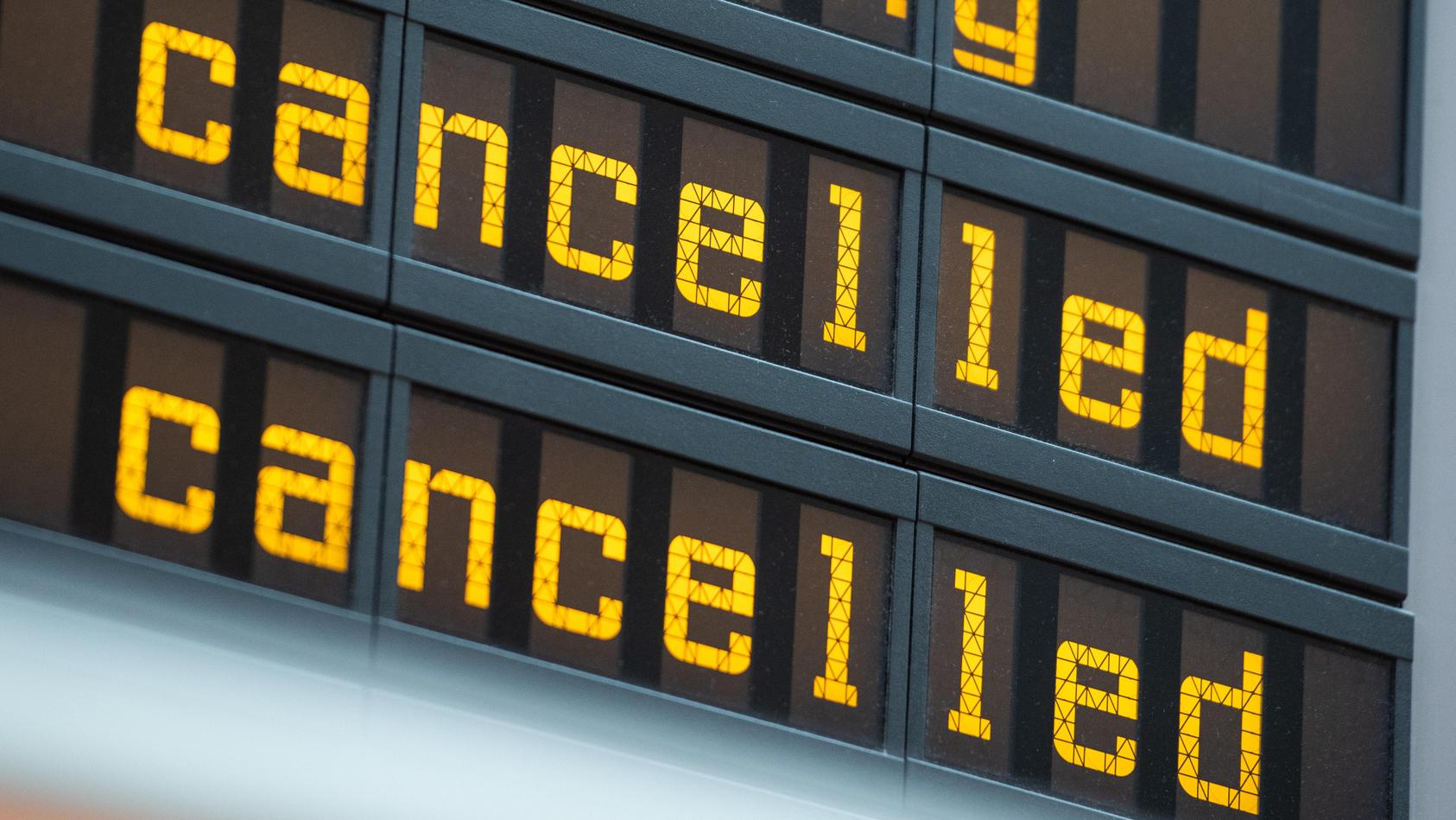 Warnstreik der Flugbegleiter - Berlin