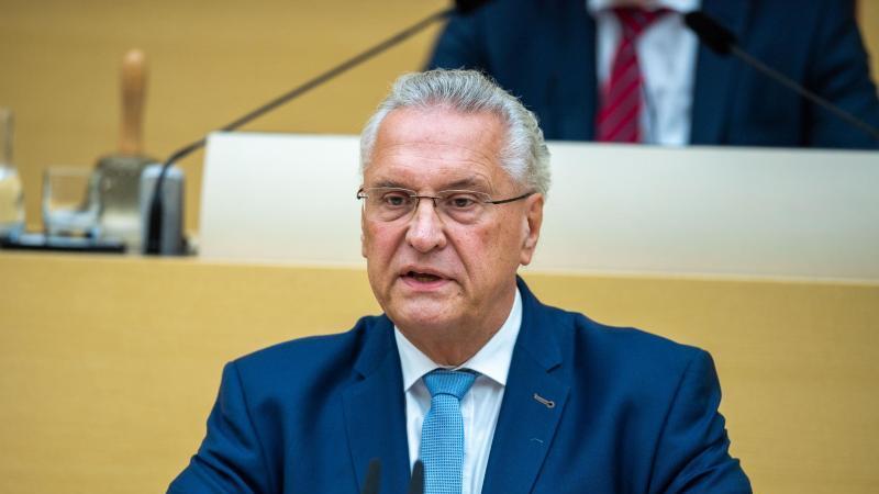 Joachim Herrmann (CSU), Innenminister von Bayern. Foto: Lino Mirgeler/dpa/Archivbild