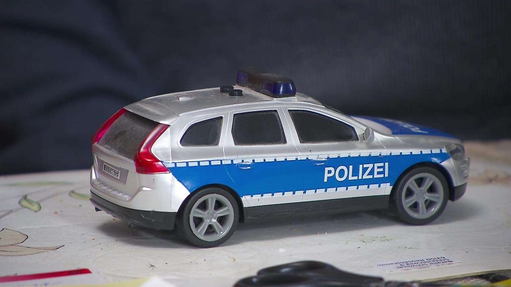 Ein lautes Spielzeugauto hat in Oranienburg einen Polizeieinsatz ausgelöst. (Foto: Motivbild)