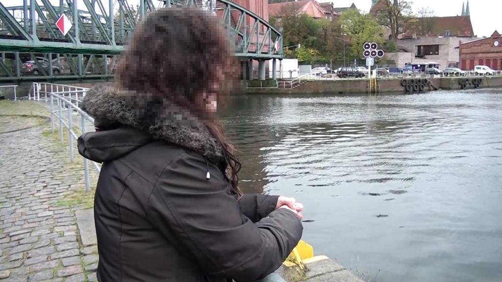 Mönkhagen bei Lübeck: Studentin (20) gefesselt und vergewaltigt, Noch-Frau des Tatverdächtigen (Emine Ö.) spricht im Interview