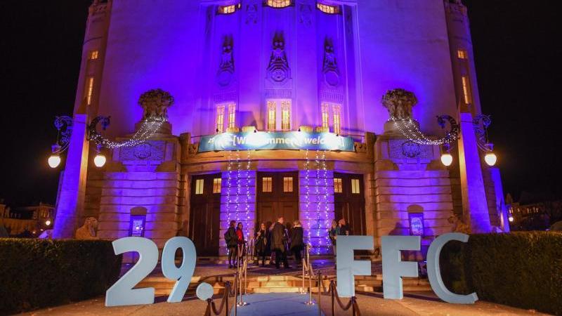 Die Eröffnungsfeier des Filmfestivals Cottbus fand im Staatstheater statt. Foto: Patrick Pleul/dpa