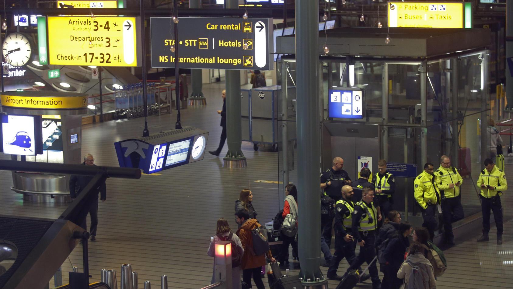 Fehlalarm bei Flugzeug inAmsterdam