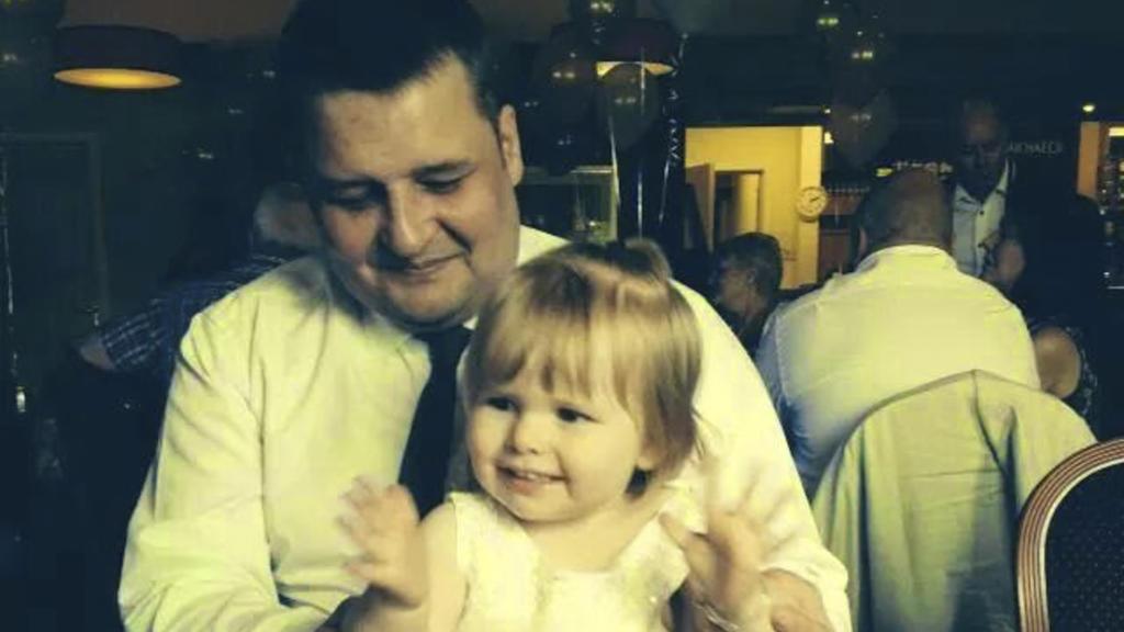 Nigel Morgan und seine Tochter Hollie: Der Army-Veteran starb 2018 an einer Lungenentzündung.