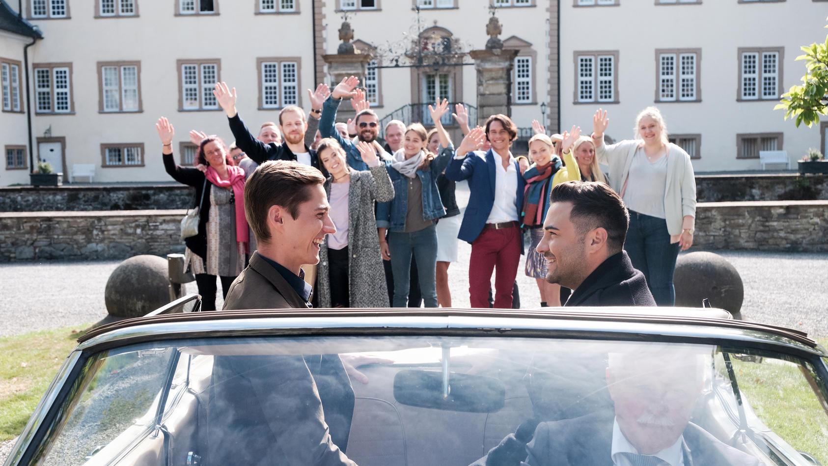 """Ab dem 25. November läuft bei """"Unter uns"""" die große Jubiläumswoche. Ein Highlight: Die Hochzeit von Ringo und Easy."""