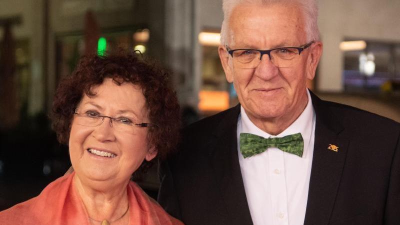 Winfried Kretschmann und seine Frau Gerlinde auf dem Landespresseball Baden-Württemberg. Foto: Marijan Murat/dpa