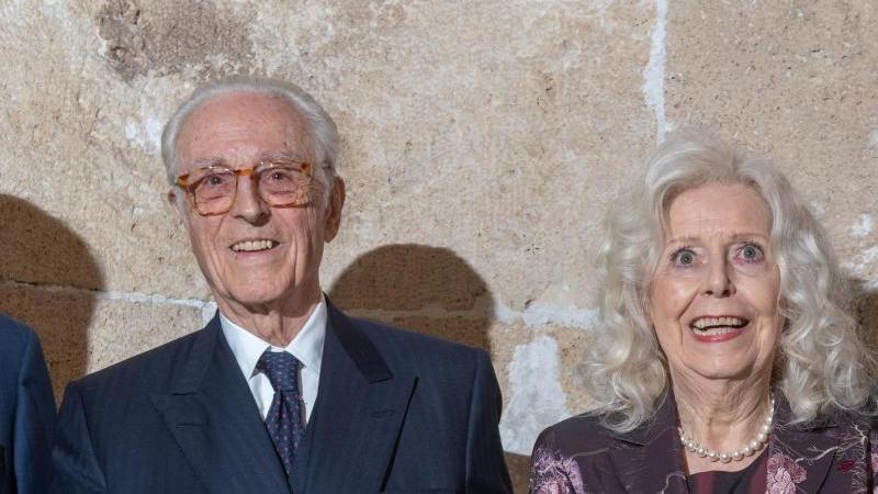 Franz Herzog von Bayern (l.) und Marianne Köster. Foto: Peter Kneffel/dpa
