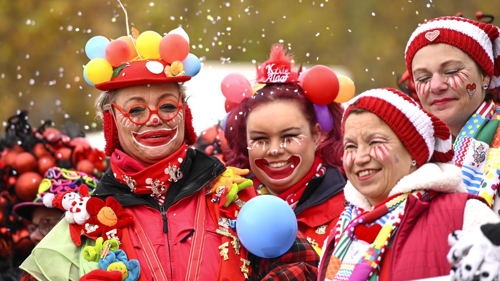 Karneval bedeutet: Viele Menschen auf engem Raum. Wird das durch das Coronavirus zum Problem?
