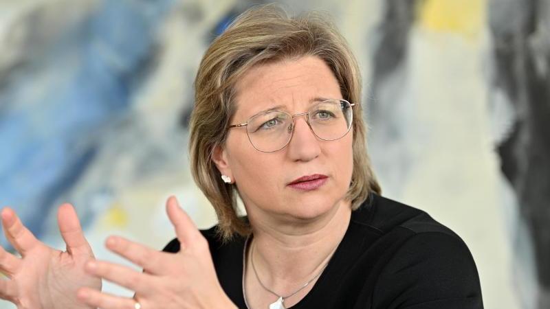 Anke Rehlinger (SPD), Ministerin für Wirtschaft, Arbeit, Energie und Verkehr im Saarland. Foto: Harald Tittel/dpa/Archivbild