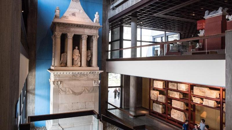 Das Römisch-Germanische Museum hat seinen vorübergehenden Umzug abgeschlossen und hat wieder geöffnet. Foto: Federico Gambarini/dpa/Archivbild