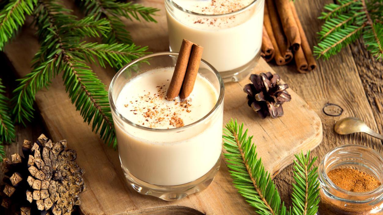 Weihnachtliche Getränke müssen Sie nicht fertig kaufen, viele lassen sich ganz einfach selber machen und schmecken himmlisch!