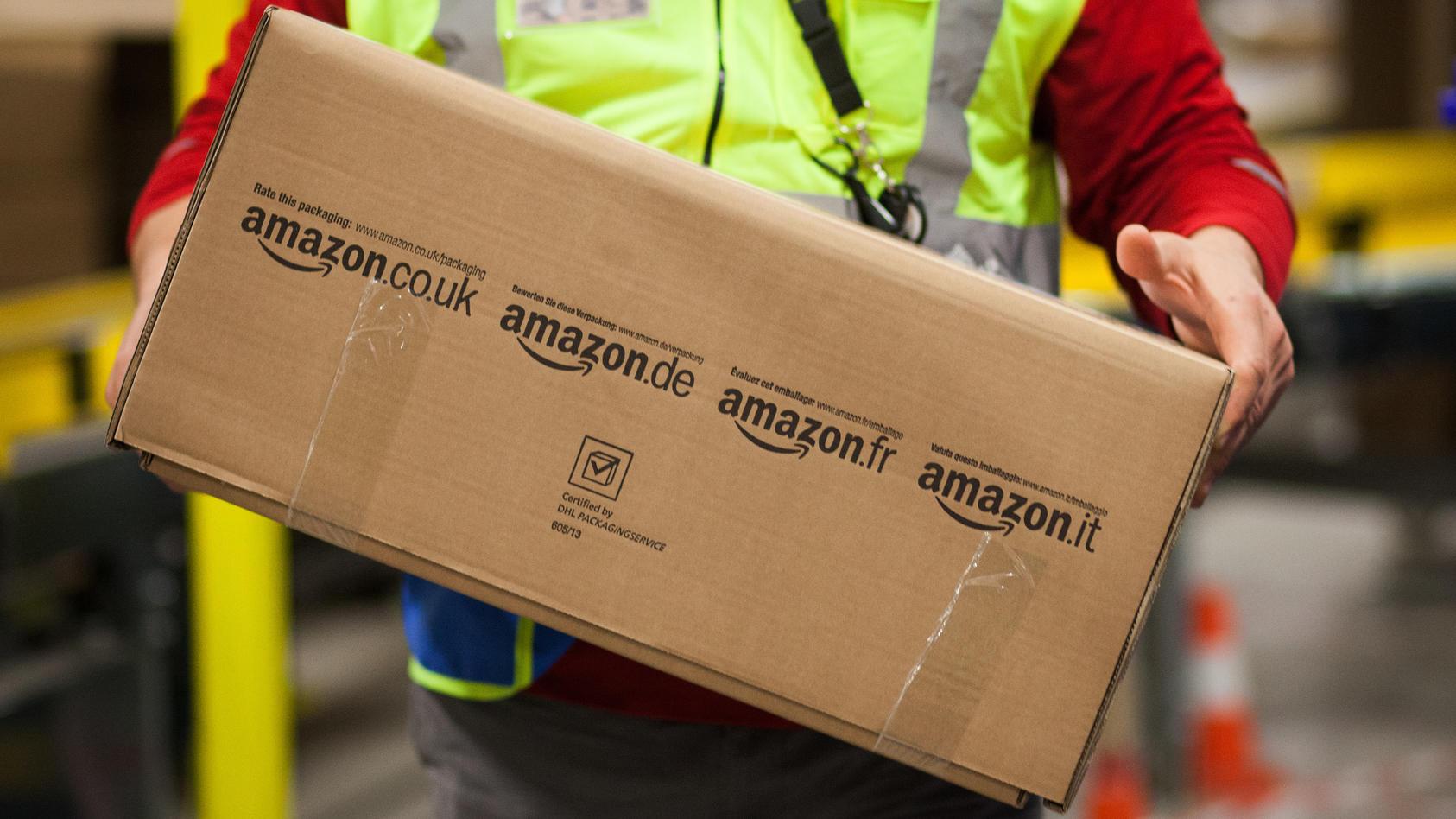 Um die Umwelt zu schonen, will Amazon seine Lieferungen nun auch in Deutschland bündeln.