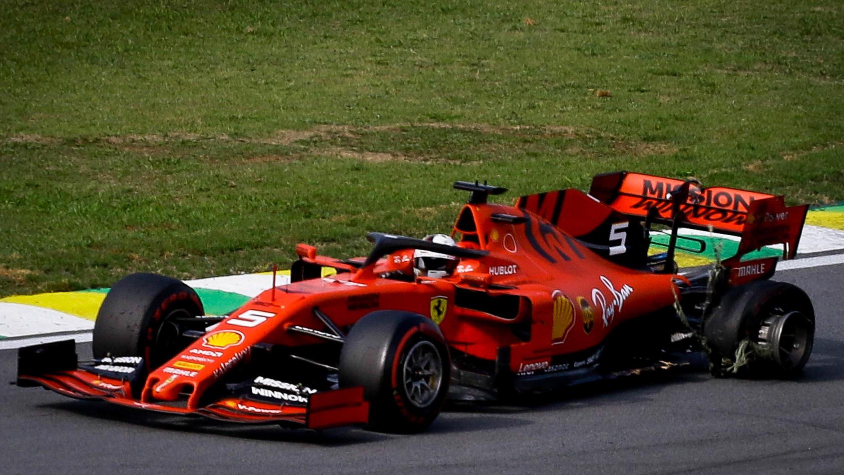 Für Sebastian Vettel war der Große Preis von Brasilien nach dem Crash mit Teamkollege Charles Leclerc vorbei.