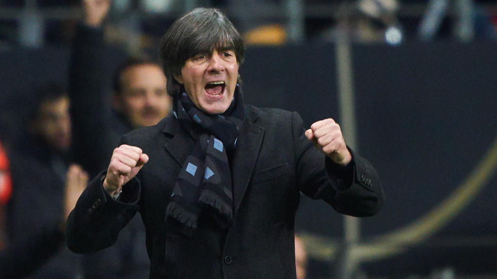 EURO QUALI 2020, Germany-North Ireland, Frankfurt, Nov 19, 2019. DFB headcoach Joachim Jogi LOEW, LÖW,celebrates 2-1 goal, of Leon GORETZKA, DFB 18 happy, laugh, celebration, GERMANY - NORTH IRELAND Important: DFB regulations prohibit any use of pho