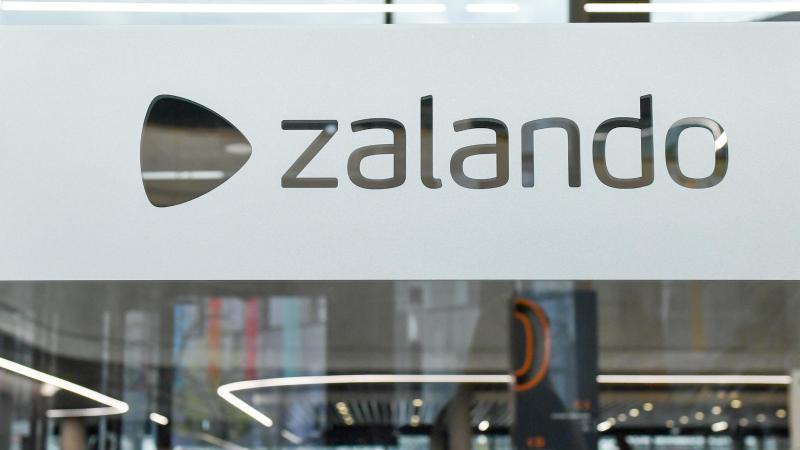 Das Headquarter vom Zalando Campus in der Valeska-Gert-Straße. Foto: Jens Kalaene/zb/dpa