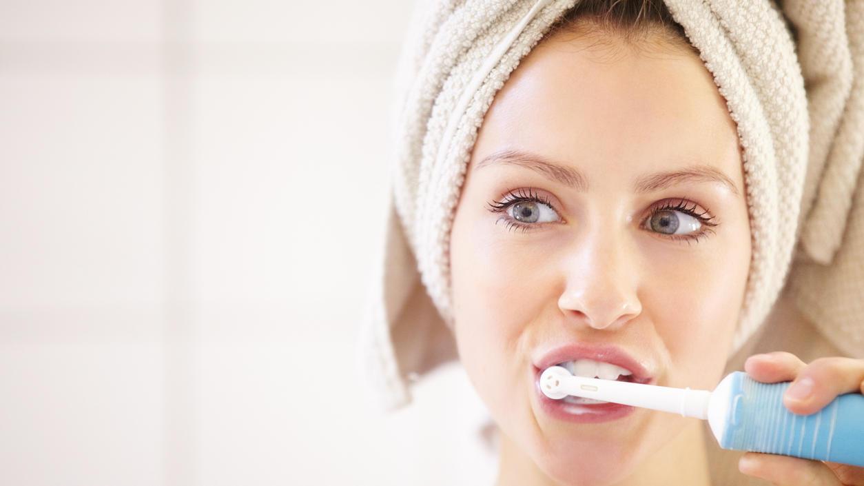 Elektrische Zahnbürsten müssen nicht immer teuer sein.