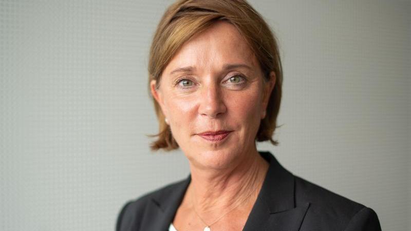 Nordrhein-Westfalens Bildungsministerin Yvonne Gebauer. Foto: Marius Becker/dpa