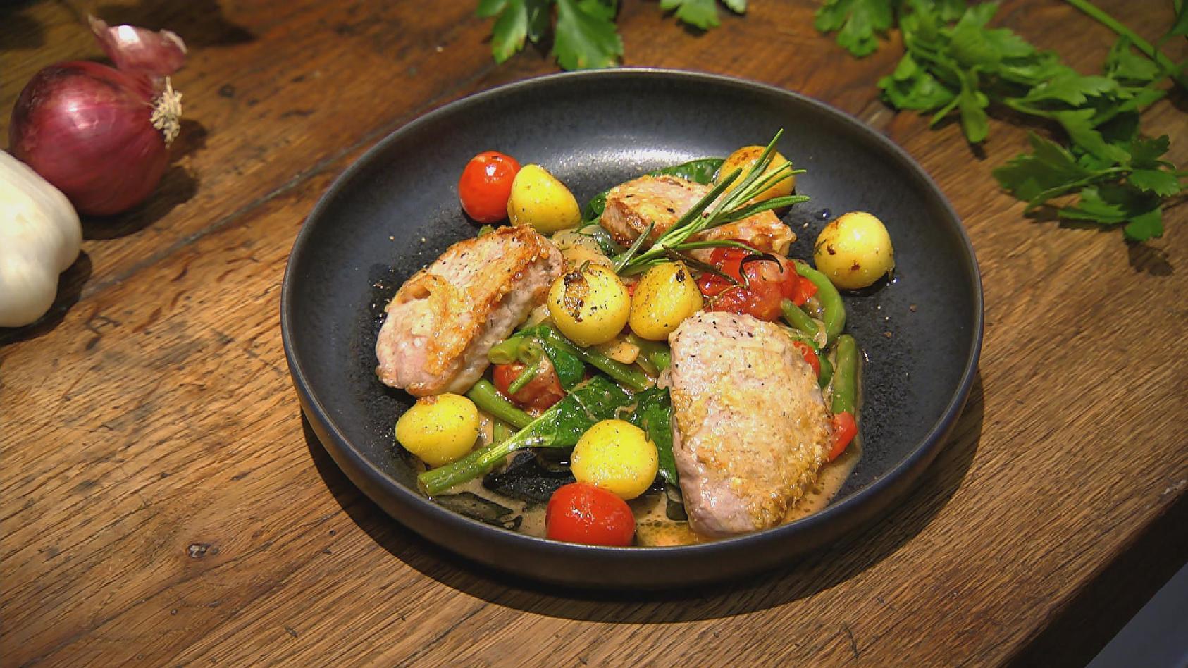 Same but different – Drei Gerichte aus den gleichen Zutaten: Piccata mit Bratkartoffeln und Gemüse