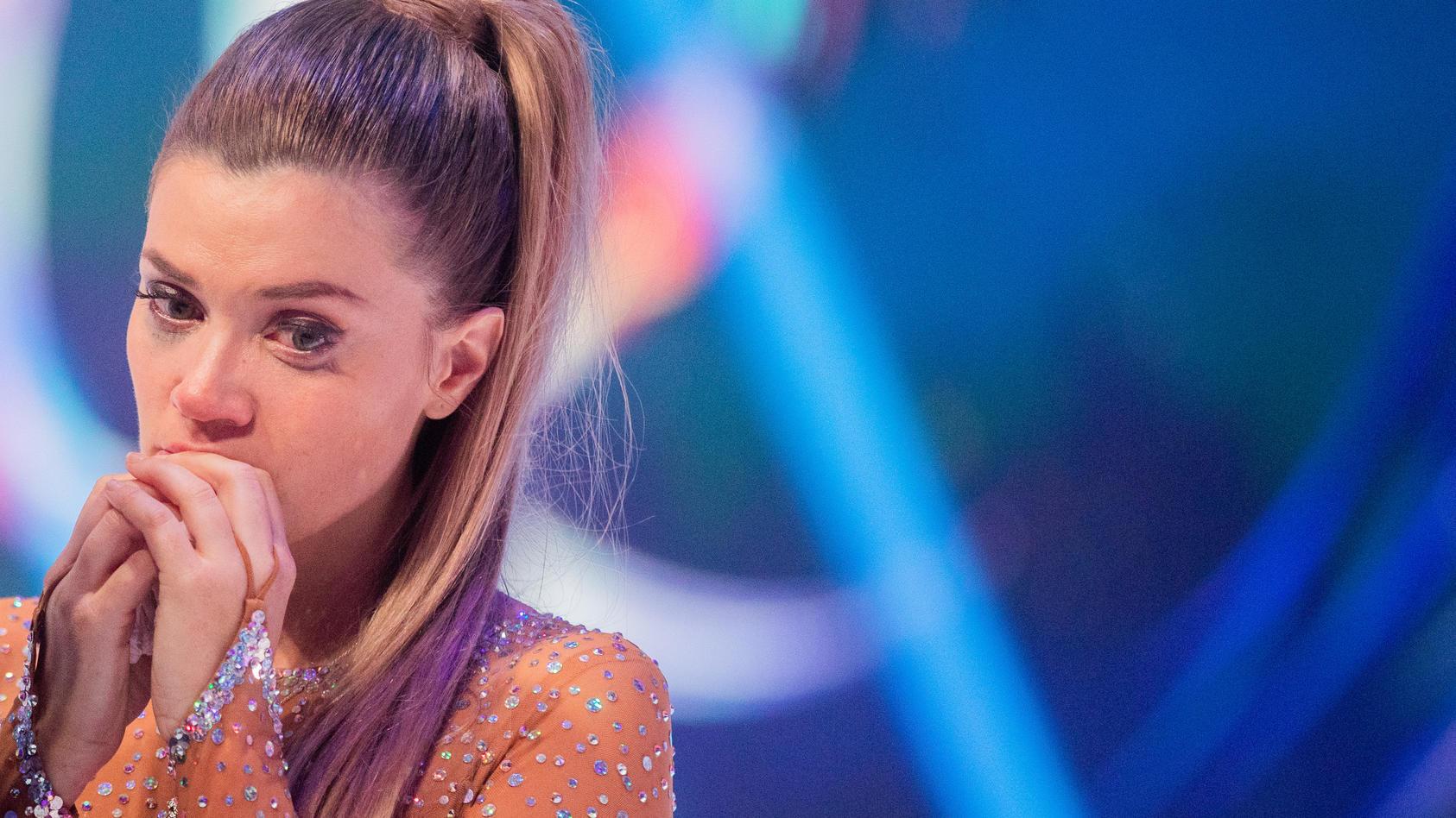 """Enttäuschung pur: Nadine Klein muss """"Dancing on Ice"""" nach der dritten Show verlassen."""