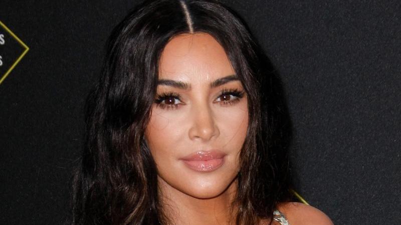 Kim Kardashian weiß wie es ist, ständig unter Beobachtung zu stehen. Foto: Imagespace/ZUMA Wire/dpa