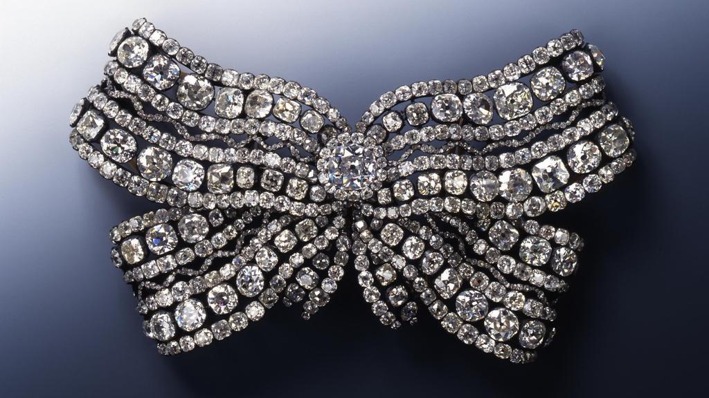 Die große Brustschleife von Königin Amalie Auguste
