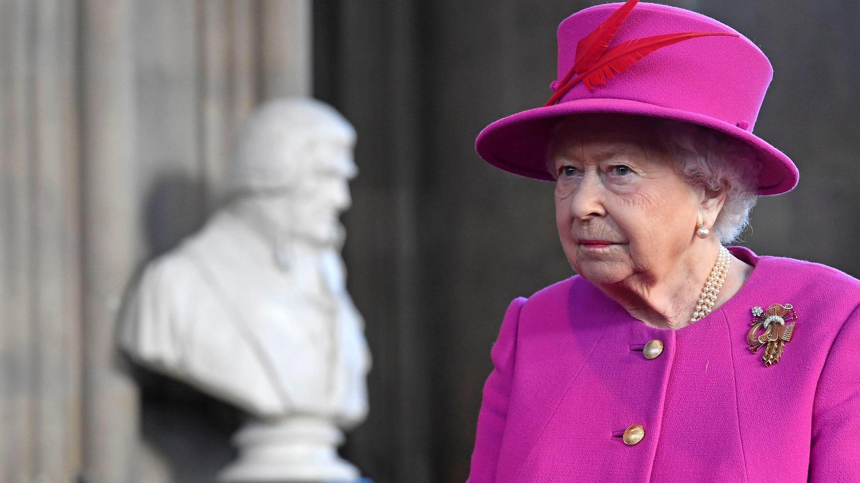 Queen Elisabeth II. dankt den mutigen Helden der Messer-Attacke bei der London Bridge.