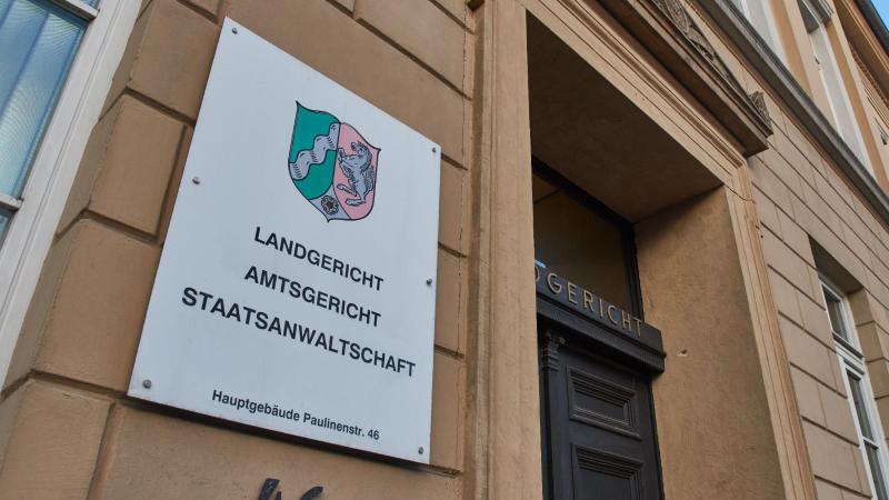 Das Landgericht in Detmold (Nordrhein-Westfalen). Foto: Bernd Thissen/dpa/Archivbild