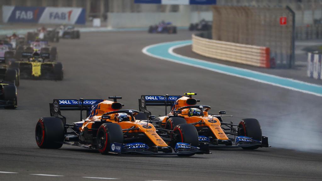 2019 Abu Dhabi GP YAS MARINA CIRCUIT, UNITED ARAB EMIRATES - DECEMBER 01: Carlos Sainz Jr., McLaren MCL34, battles with Lando Norris, McLaren MCL34 during the Abu Dhabi GP at Yas Marina Circuit on December 01, 2019 in Yas Marina Circuit, United Arab