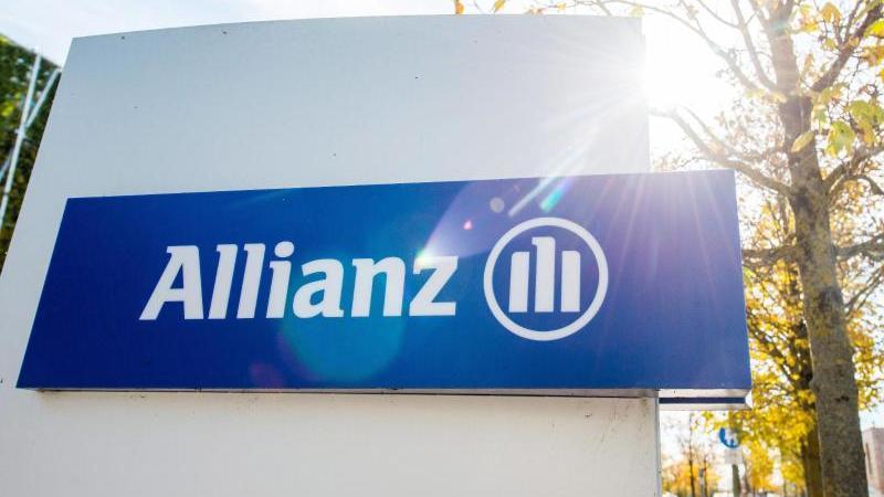 Die Allianz senkt die Zinsen auf Lebens- und Rentenversicherungen. Foto: Marc Müller/dpa