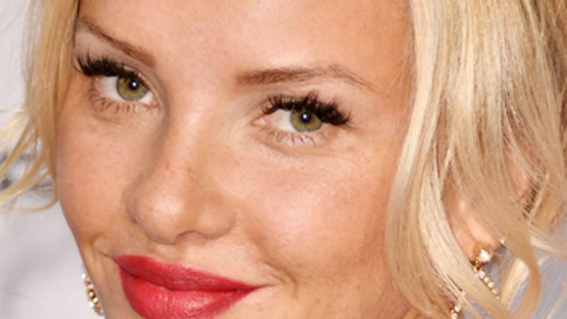 evelyn burdecki lippen