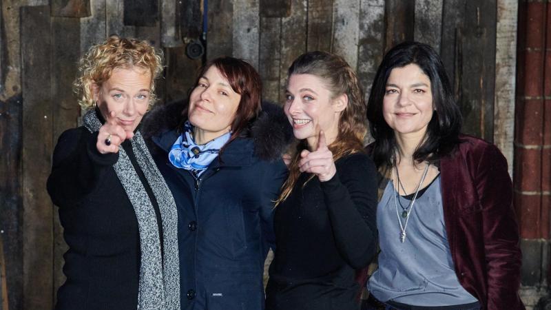 """Krebitz, Svenja Jung und Jasmin Tabatabai (l-r) spielten gemeinsam in """"Bandits"""". Foto: Annette Riedl/dpa"""
