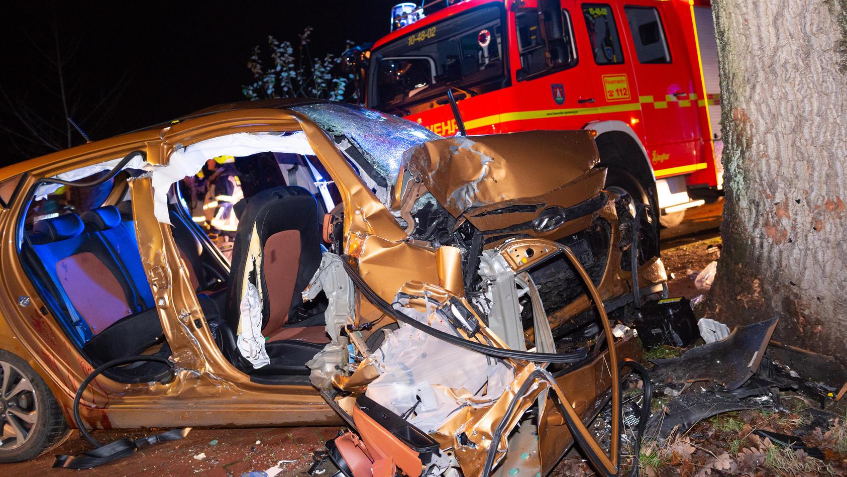 19-Jähriger stirbt bei Unfall - vier Teenager schwer verletzt