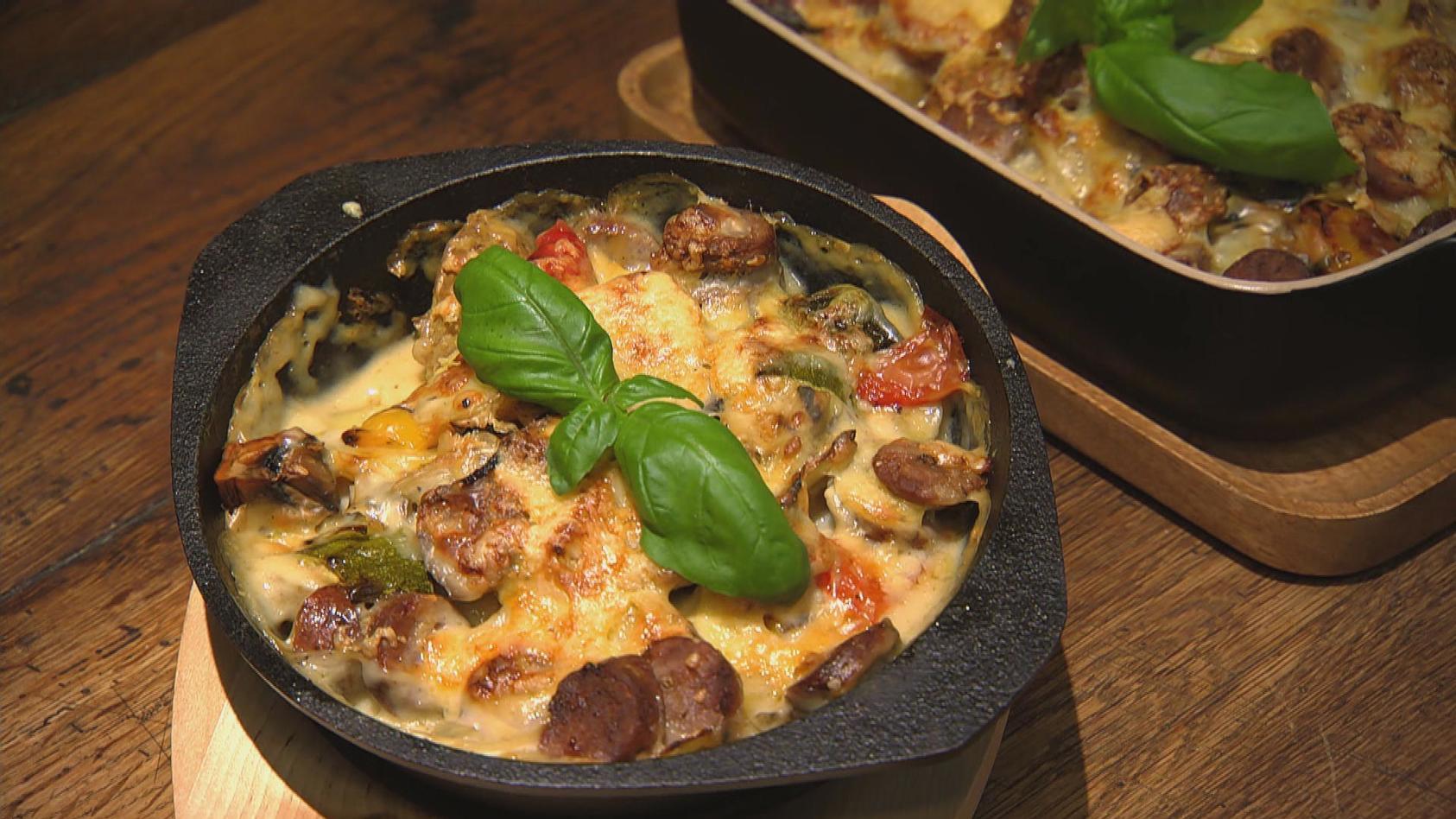 Das Reste zum Schluss - Aus Resten tolle Gerichte zaubern: Bratwürstchen-Kartoffelauflauf mit Béchamelsauce