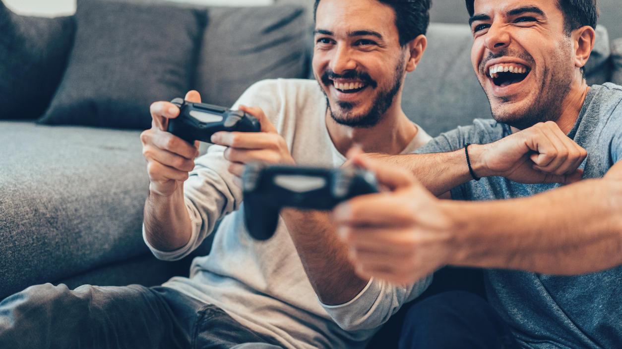 Gibt es etwas Cooleres, als mit einem Kumpel Games auszuprobieren?