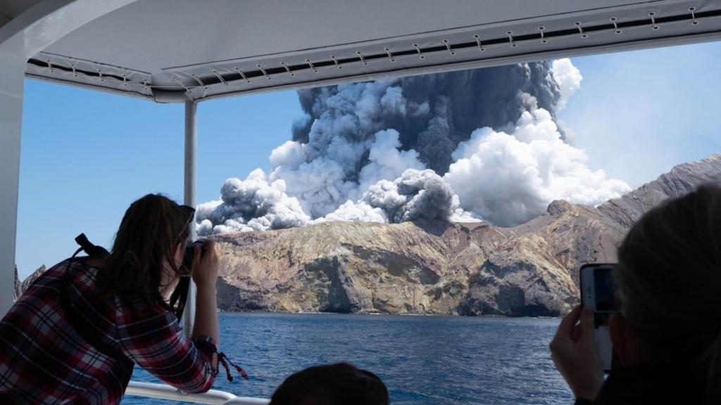 Vulkanausbruch auf neuseeländischer Insel