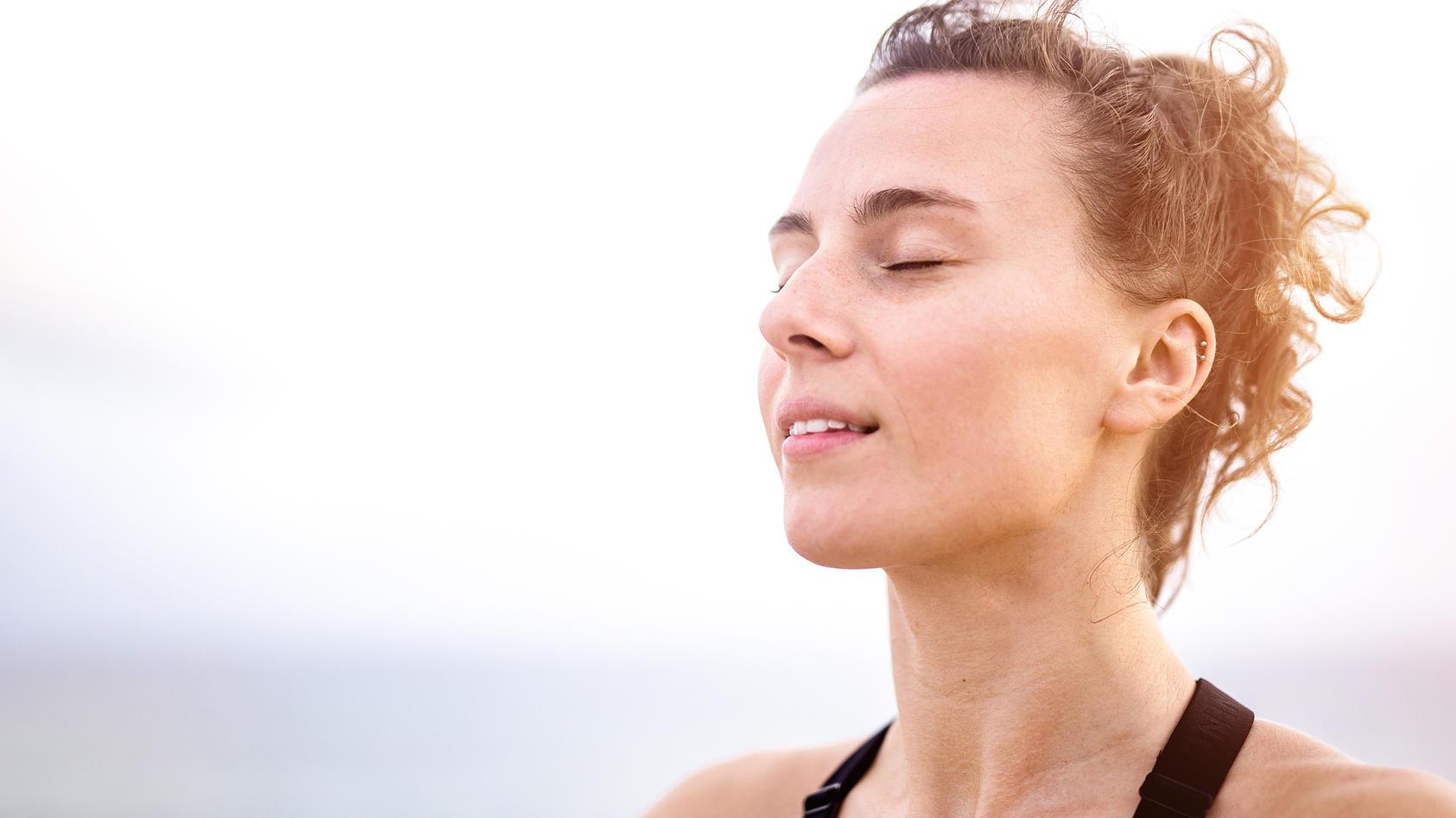 Zilgrei kombiniert Körperhaltungen bzw. -bewegungen mit einer speziellen Atemtechnik