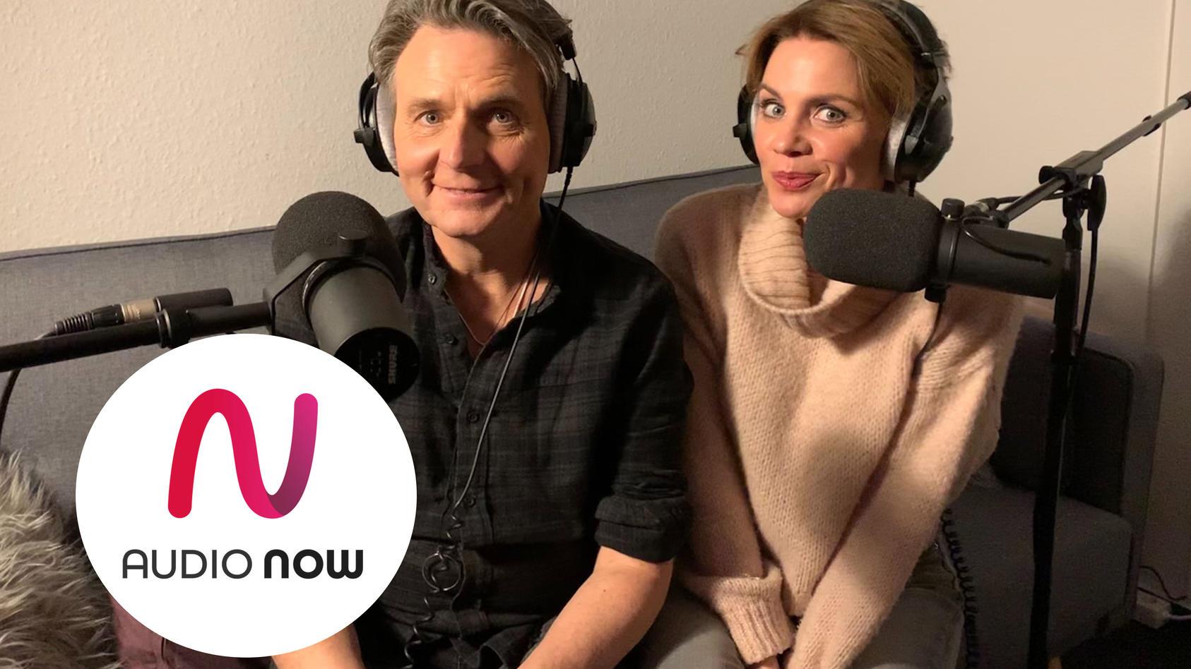 Wolfgang Bahro (spielt Jo Gerner) und Gisa Zach (spielt Yvonne Bode) im GZSZ-Podcast.