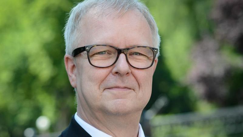 Peter Emmerich prägte drei Jahrzehnte lang prägte er die Öffentlichkeitsarbeit der Richard-Wagner-Festspiele. Foto: David-Wolfgang Ebener/dpa/Archiv