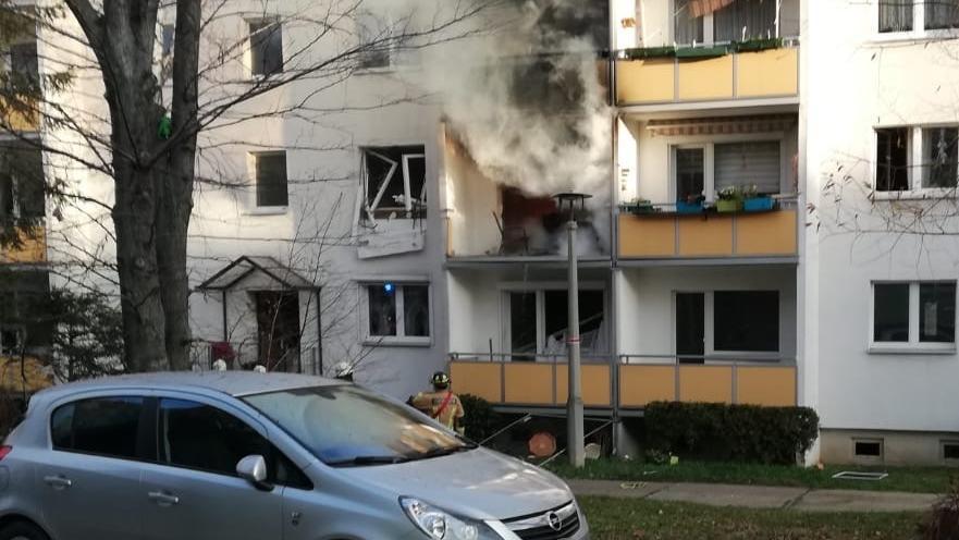 Frontansicht des explodierten Hauses