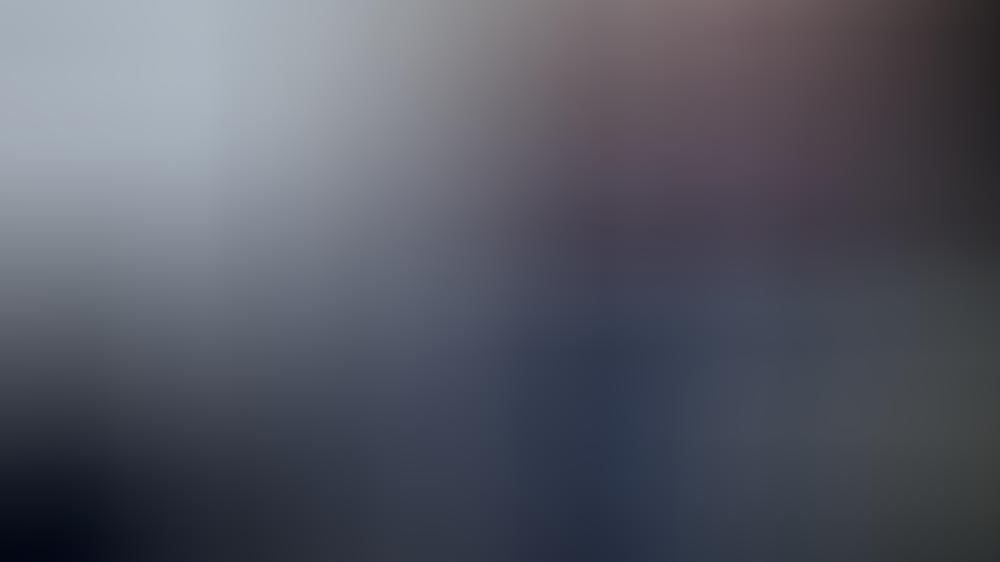 Von wegen bedröppelt: Prinzessin Beatrix zeigt sich gut gelaunt nach der Landung in Saba