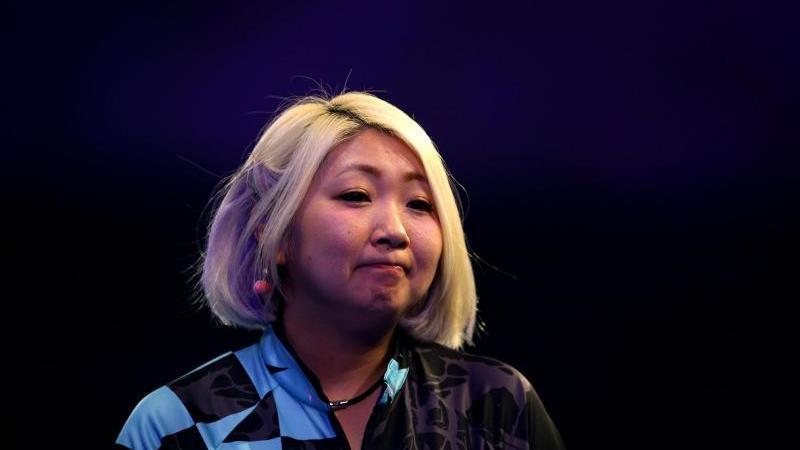 Ausgeschieden bei der Darts-WM: Mikuru Suzuki aus Japan. Foto: Steven Paston/PA Wire/dpa