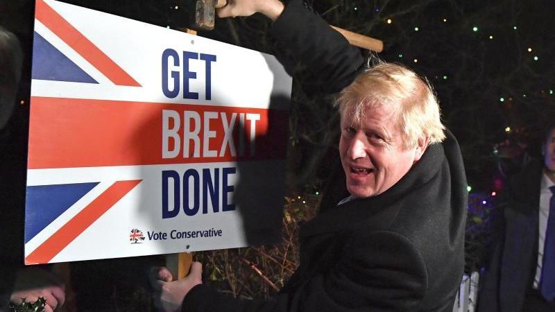Boris Johnson im Wahlkampf. Foto: Ben Stansall/AFP POOL/AP/dpa